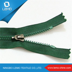 Zipper Factory Supply Plastic Zipper for Bag pictures & photos