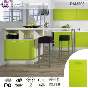 Glossy Green Color Wooden Kitchen Cabinet Furniture pictures & photos