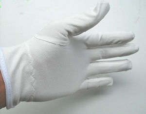 Shanghai Lingtech ESD Garment Cleanroom Lint Free Microfiber Gloves pictures & photos