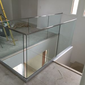 Oudoor Frameless Glass Railing for Glass Balcony Railing Designs pictures & photos