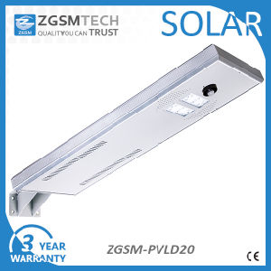 Factory Price 20W Integrated Solar Street Light with Pole pictures & photos