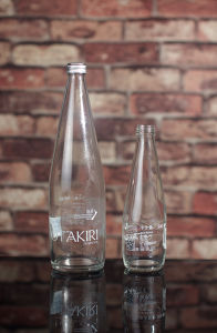 330ml/750ml Custom Design Glass Water Bottles pictures & photos