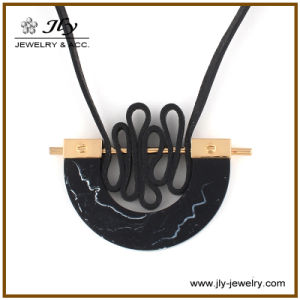 Wholesale Alloy Resin Stones Velvet Cord Gold Plating Fashion Jewelry Necklace pictures & photos
