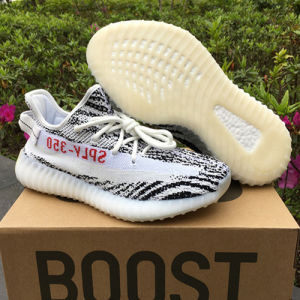 5015171f0f58b China Originals Kanye West Yeezy 350 Boost V2 Running Shoes for Sale ...