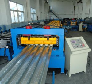 Metal Sheet Roll Forming Machine pictures & photos