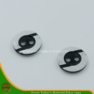 2 Holes New Design Polyester Shirt Button (S-121) pictures & photos