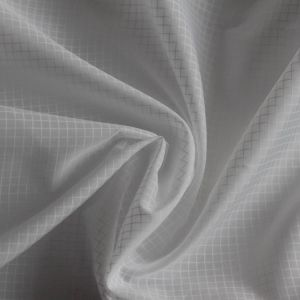 20d Check 100% Polyester Dyed Taffeta Fabric for Lining pictures & photos