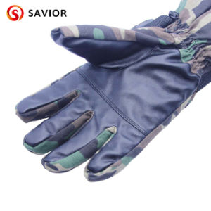 Outdoor Camouflage Heated Glove for Hunting pictures & photos