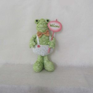 Easter Home Decoration Craft Standing Boy & Girl Frog pictures & photos