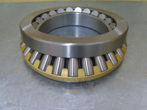 Large-Size Single Row Tapered/Conical Roller Bearings pictures & photos