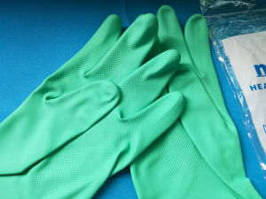 China Factort Stock Sell Sprayed Flock Lined Industrial Nitrile Gloves Competitive Price pictures & photos