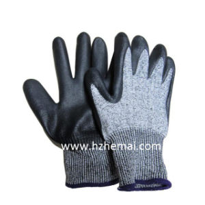 PU Dipped Cut Resistant Gloves Level 3 Safety Work Glove pictures & photos