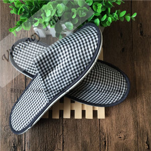 Disposable Hotel Bathroom Slippers Checked Cloth Close Slipper pictures & photos