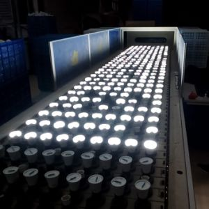 E27 or B22 Base LED Bulb Energy Saving Bulb pictures & photos