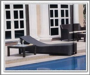 Rattan Lounger (ML-142)