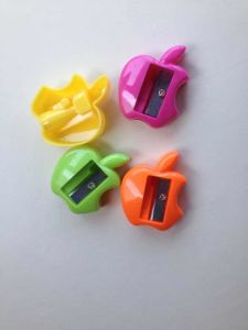 2015 Cheap Plastic Pencil Sharpener for Stationery