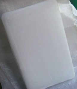 Chinese Paraffin Wax/Fully Refined Paraffin Wax Slabs 60-62 Deg. C 0.5% Oil pictures & photos