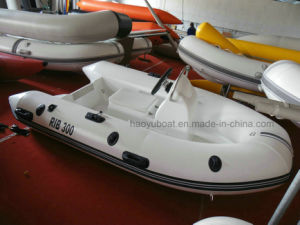 3m Fiberglass Hull Rib Boat with CE China Boat with Outboard Motor Fishing Boat pictures & photos
