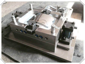 Injection Mold with Plastic Dustbin