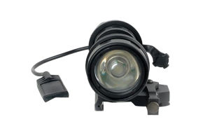 Em952V LED Weapon Light with Q. D. Mount Base