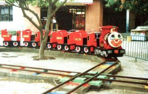 Outdoor Kids Riding Electric Train pictures & photos
