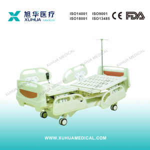 Motorized Three Functions Electric ICU Bed with Central Braking Casters (XH-2) pictures & photos