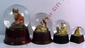 Polyresin Fox Decoration Water Ball