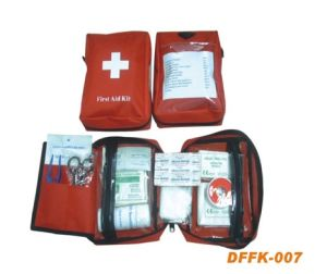 Travel First Aid Kit (DFFK-021) pictures & photos