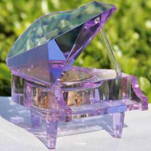 Hot Selling Crystal Piano Shape Music Box for Gift (KS32015) pictures & photos