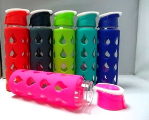 2013 Heat Insulation Glass Water Bottle with Silicone Sleeve (KD-505)
