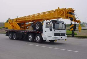 Sinotruk Truck Mobile Crane 25T pictures & photos