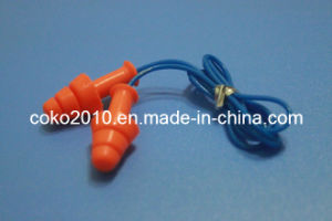Soundproof and Waterproof Silicon Earplug with Cord pictures & photos