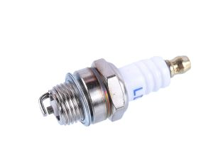 070 Spark Plug pictures & photos