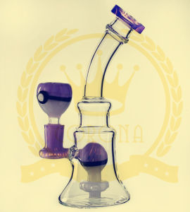 Small Peculiar Shape Glass Reycler Glass Water Pipe for Smoking with Three Foots pictures & photos
