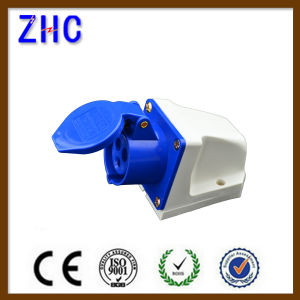 CE Approval 16A 220V 2p+E IP44 Industrial Plug pictures & photos
