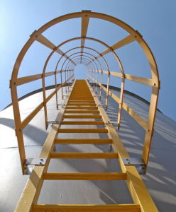 FRP /GRP Platform Ladders with Cage Systems pictures & photos