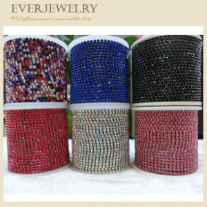 Crystal Rhinestone Glass Crystal Cup Chain in Roll for Decoration pictures & photos