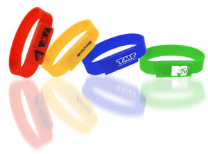 Wholesale Custom Silicone Bracelet Wrist Band USB Stick Drives pictures & photos