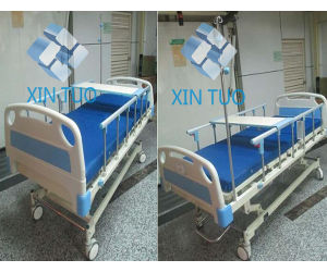Factory Direct Price 3 Movements ICU Electric Medical Hospital Bed pictures & photos