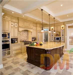 Solid Wood Design Kitchen Cabinets with Island
