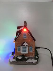 Top Quality Resin Christmas Decorate House for Home Deco pictures & photos