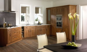 Hot Selling Modern Kitchen Cabinet for Distribution (GLOE235) pictures & photos