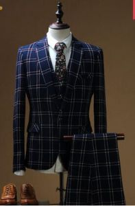 Men′s Checked Single-Breasted Suit Latest fashion Slim Suit pictures & photos
