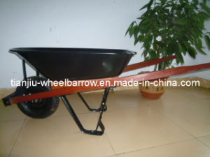 Wh5400 Wheelbarrows South America with Wooden Handle pictures & photos