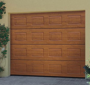 Residential Sectional Garage Door (40mm thick) pictures & photos