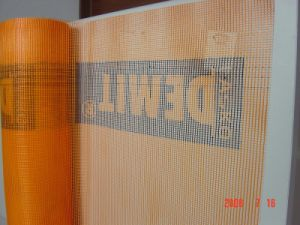 Adhesive Fiberglass Mesh Fabric with CE and Etag Certificates pictures & photos