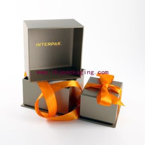 Hot Sale Cardboard Souvenir Gift Box with Ribbon