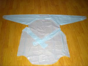 Thumb Loop Medical Gown Polyethylene pictures & photos