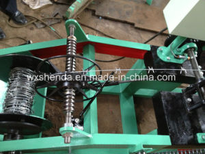 Quality Guarrantee Custom Made Barbed Wire Netting Machine pictures & photos