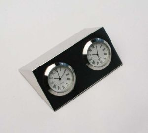Silver Plated Desk Quartz Clock Two Times for Business Gift